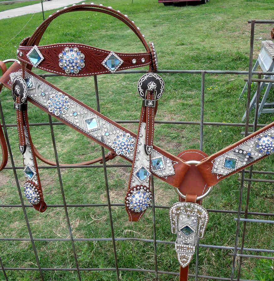 hand painted rhinestone sapphire breast collar set with rhinestone cart buckles on bridle 265. Black Bedroom Furniture Sets. Home Design Ideas